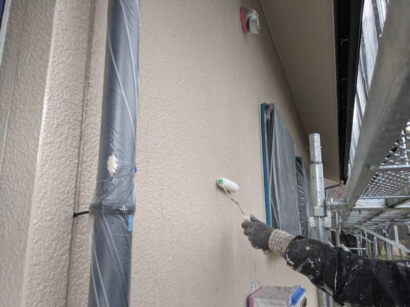 外壁塗装作業中