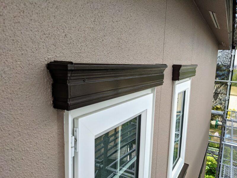 窓モール塗装仕上げ